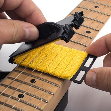 the string cleaner scg1 guitar string cleaning tool. Black Bedroom Furniture Sets. Home Design Ideas